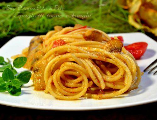Spaghetti tonno e funghi
