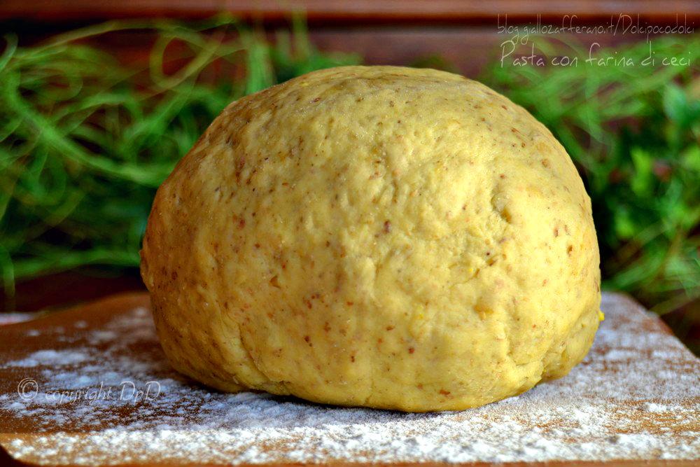 Pasta con farina di ceci 02