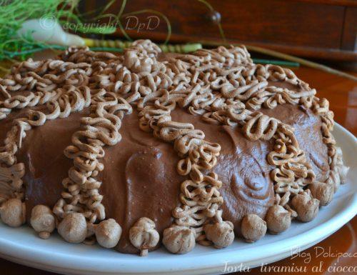 Torta al cioccolato e crema tiramisu