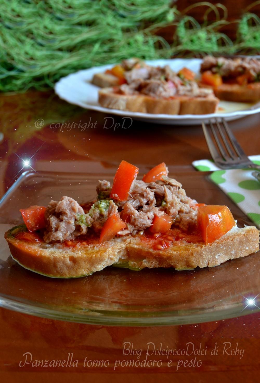 Panzanella tonno pomodoro e pesto - ricetta estiva 1
