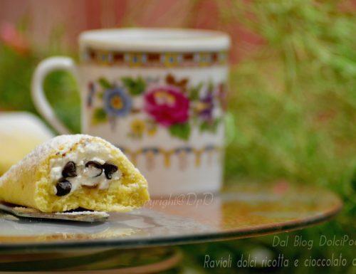 Ravioli dolci ricotta e cioccolato al forno