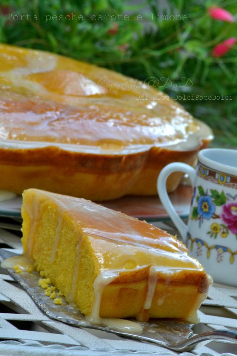 Torta pesche carote e limone