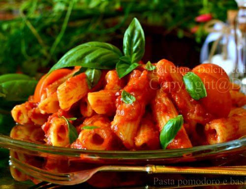 Pasta pomodoro e basilico