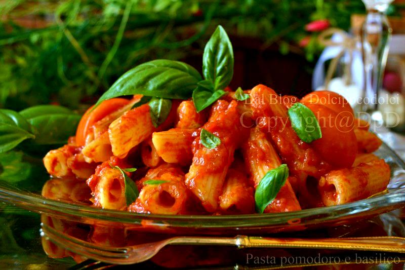 Pasta-pomodoro-e-basilico