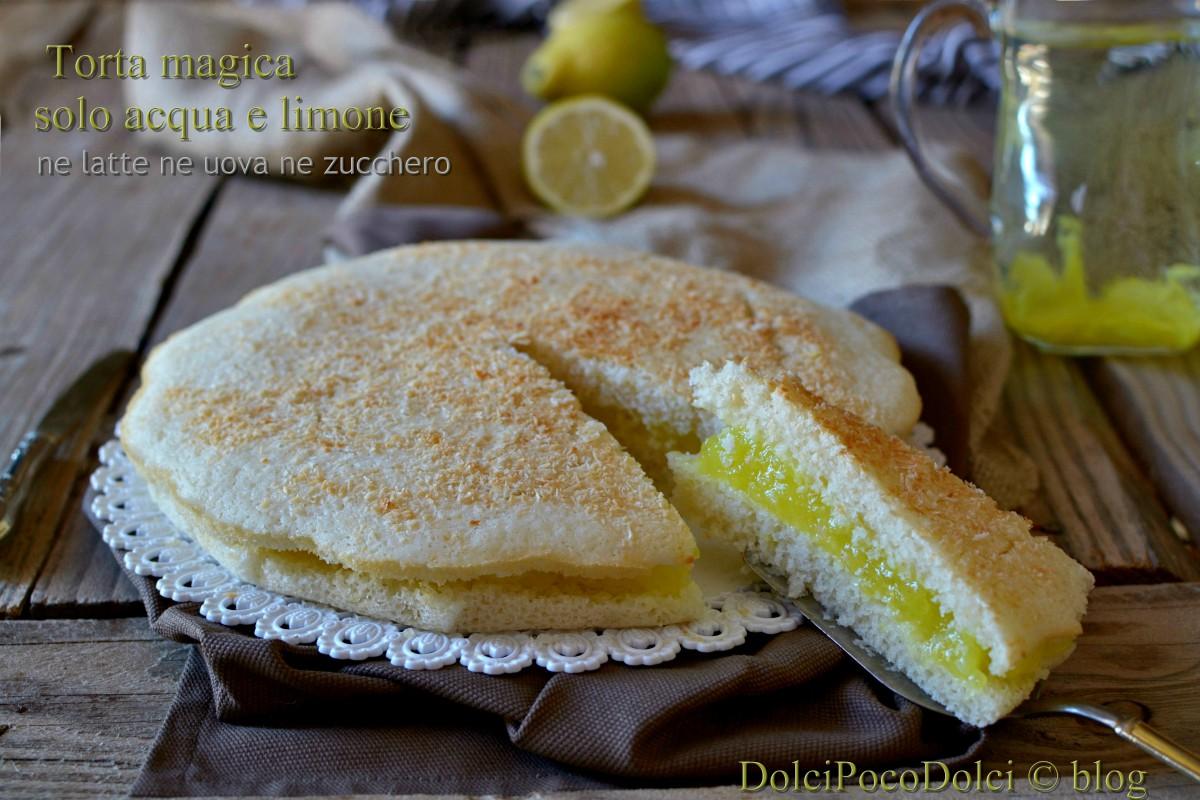 Torta magica farcita con crema di acqua e limone