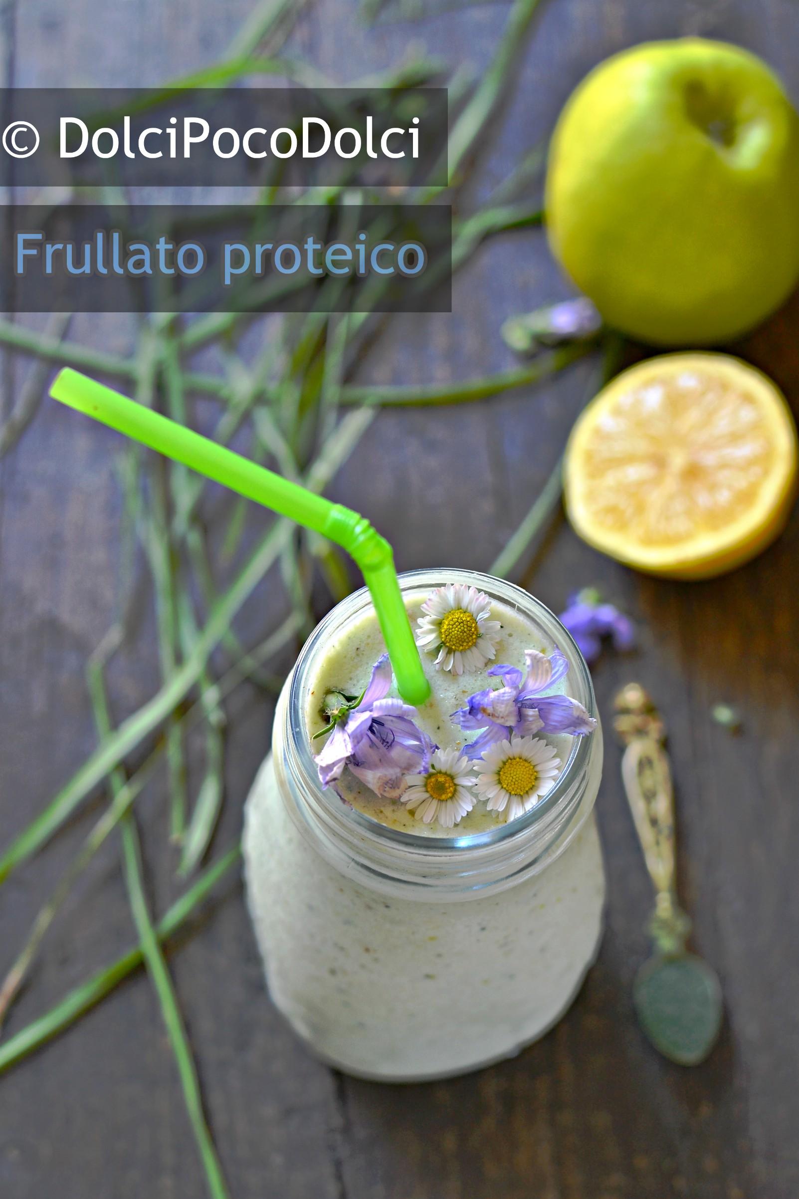 Frullato proteico alla mela verde e spirulina