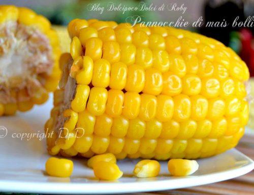 Pannocchie di mais bollite