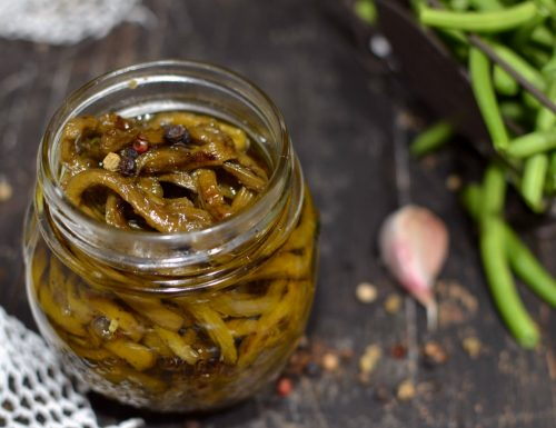 Fagiolini sott'olio croccanti e piccanti