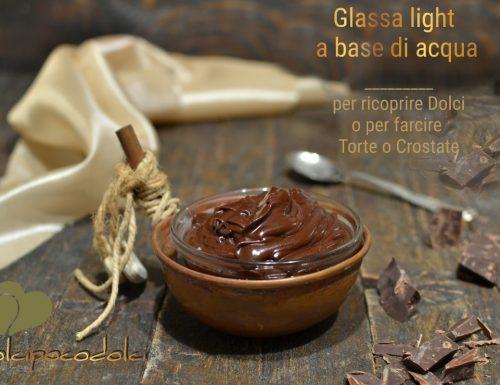 Glassa al cioccolato e acqua senza zucchero o ganache light per farcire o ricoprire dolci