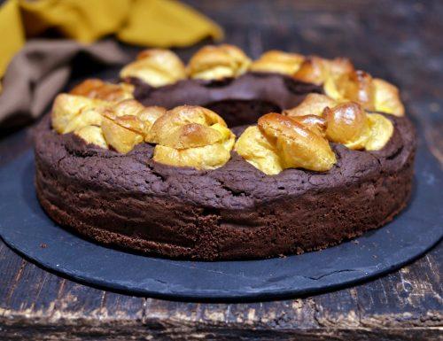Ciambella al cacao soffice light farcita di bignè alla crema prima della cottura