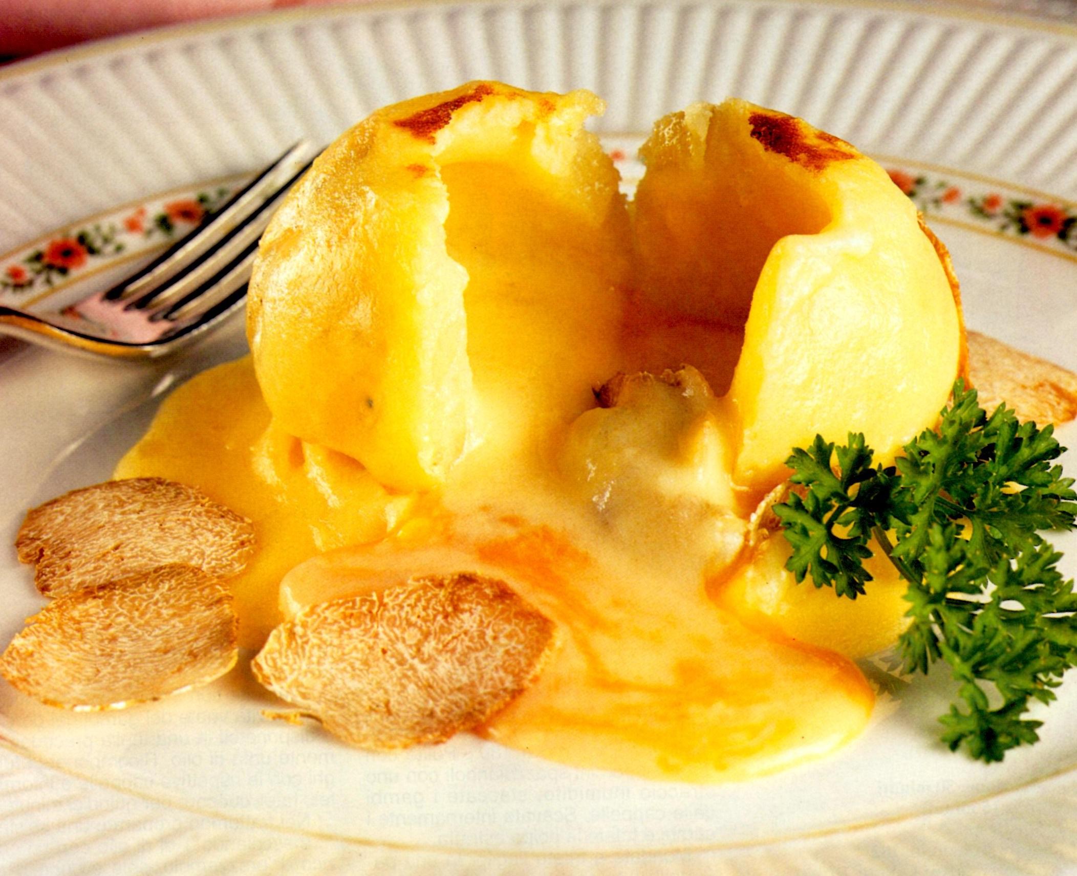 Patate alla fonduta di parmigiano e tartufo