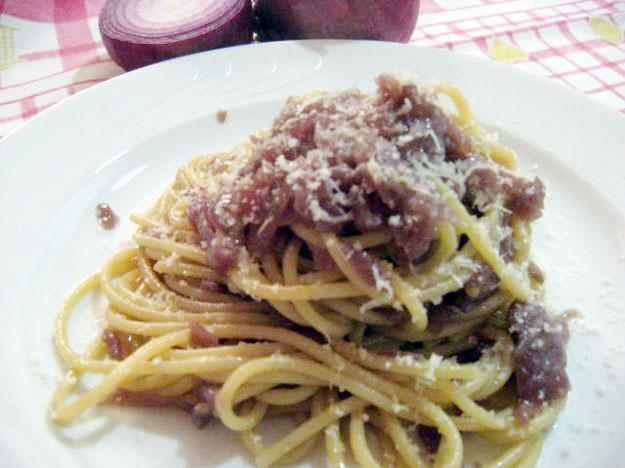 spaghetti alle cipolle