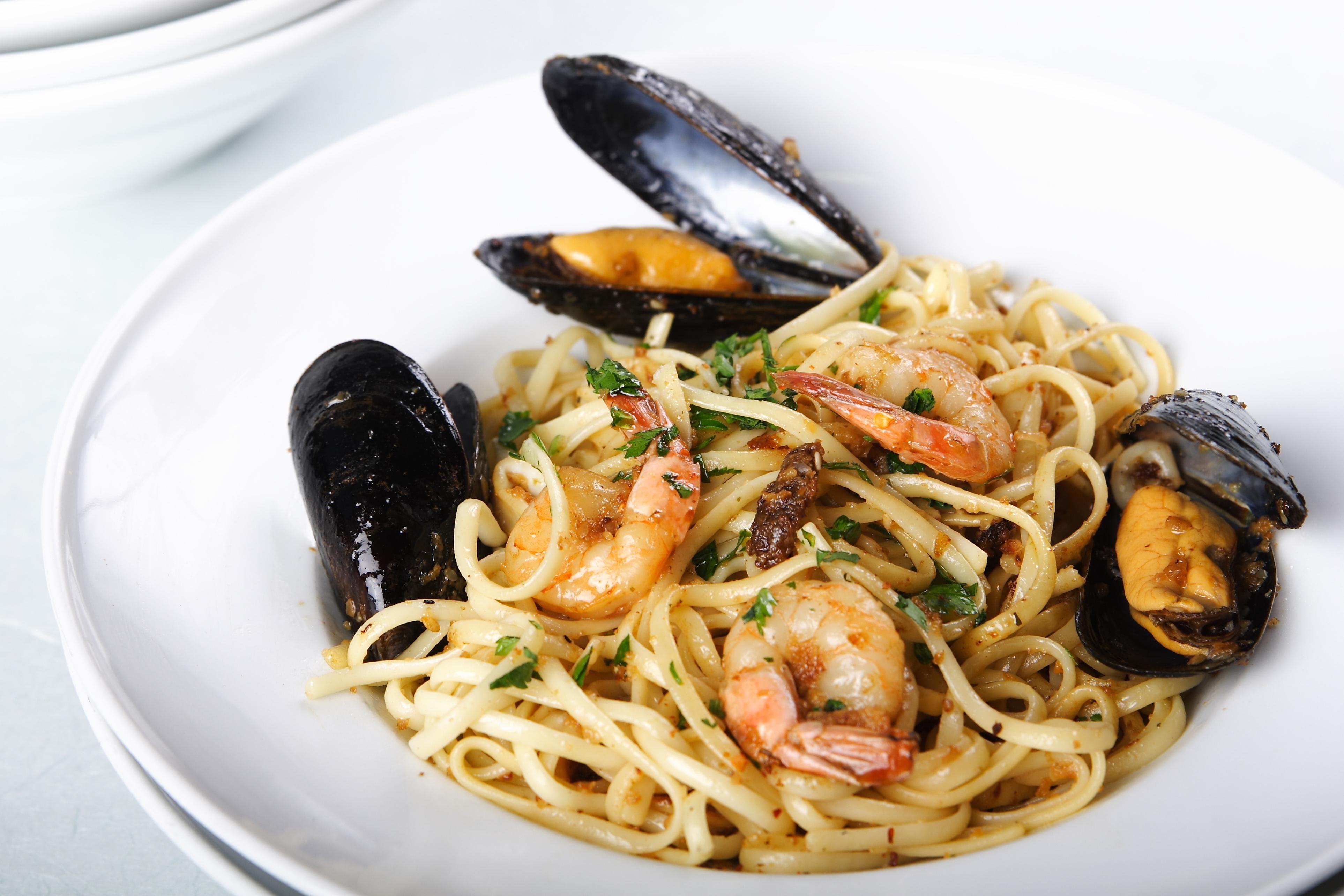 Ricerca Ricette con Linguine ai frutti di mare - GialloZafferano.it