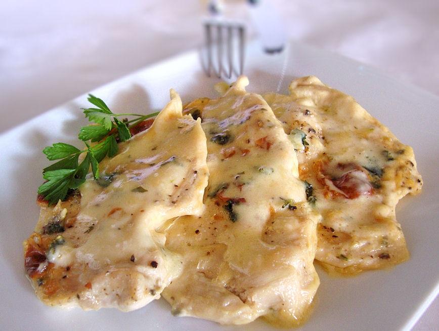 pollo al forno con foglie aromatiche