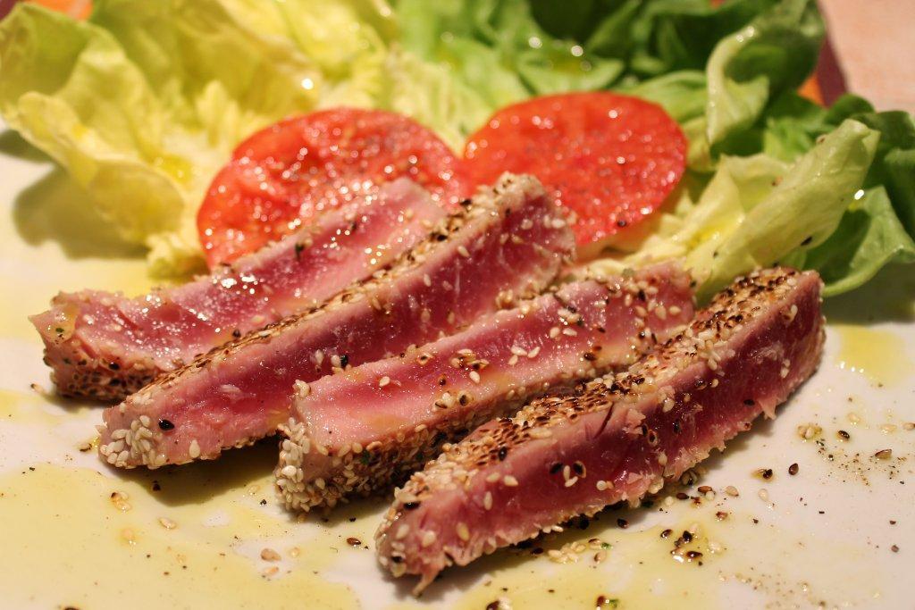 filetto di tonno al profumo di sesamo
