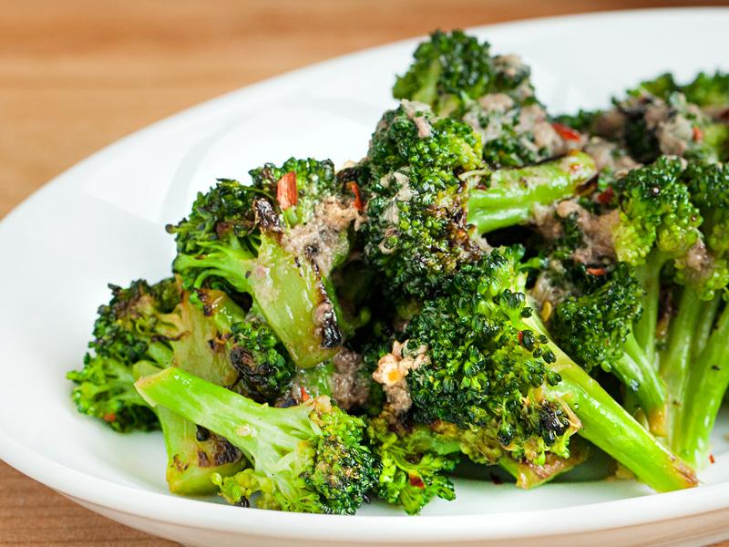 broccoli con le acciughe