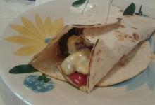 Tortillas farcite con verdure all'orientale e pollo al Curry