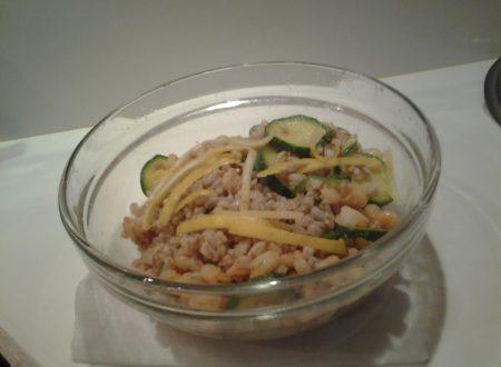 Insalata di farro, zucchine e gamberetti