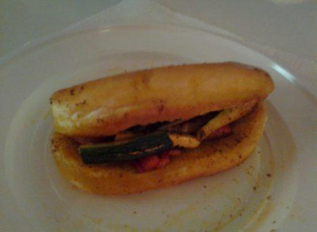Panino da hot-dog con verdure all'orientale