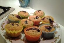 Cupcakes con confettura ai frutti di bosco