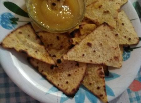 Tortilla chips/nachos con salsa al mango home-made