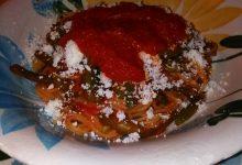 Spaghetti, fagiolini e sugo di pomodoro home-made