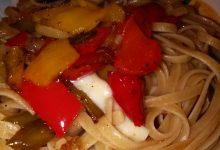 Bavette integrali con Peperoni dolci e Provolone piccante (o scamorza affumicata…) home-made