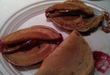 Dorayaki (simil pancakes di origini giapponesi, farciti con crema ai fagioli rossi o crema spalmabile al cioccolato oppure alle castagne) home-made