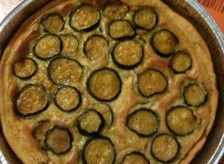 Torta salata ripiena di besciamella e zucchine aromatizzate allo zafferano home-made