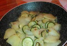 Contorno di zucchine, patate e cipolla rossa home-made