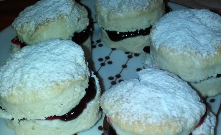 Scones ripieni dolci (o salati) home-made
