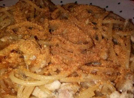Spaghetti integrali con acciughe fresche e pangrattato home-made