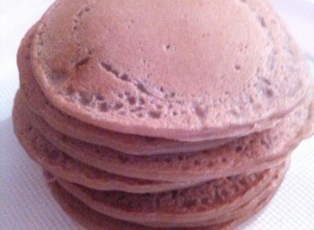Pancakes al caffé home-made farciti con Nutella o panna montata/sciroppo d'acero