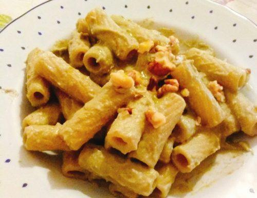 Pasta con crema di broccoli e noci home-made