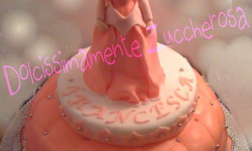 Torta principessa Aurora in pasta di zucchero copertura e soggetti in pdz