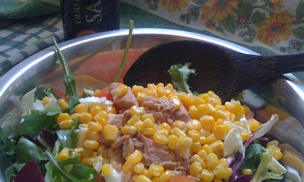 Insalata mista ricca ricetta fresca leggera e veloce