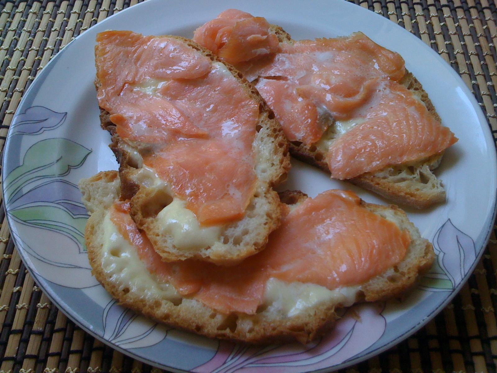 Ricette crostini di salmone affumicato for Salmone ricette