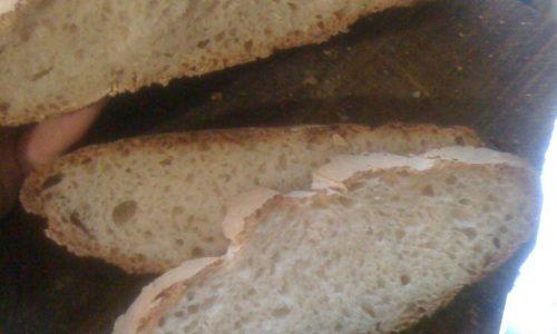Pane fatto in casa con esubero di pasta madre ricetta 2