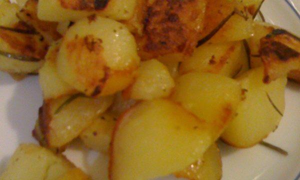 Patate stufate ricetta veloce e gustosa cotte in padella