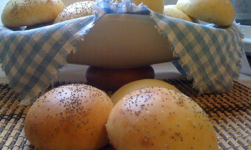 Panini per hamburger con pasta madre ricetta genuina