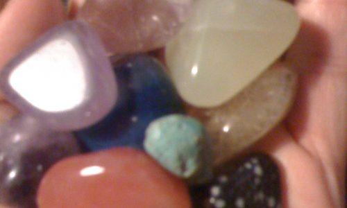 Pulizia delle pietre e conservazione cristalli