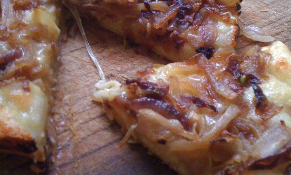 Focaccia di cipolle con esuberi di pasta madre ricetta contadina