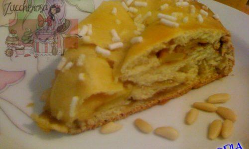 Corona brioche con mele cannella e pinoli ricetta dei ricordi