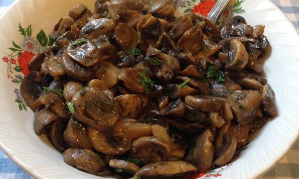 Funghi champignon trifolati ricetta veloce