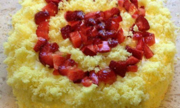 Torta mimosa alle fragole ricetta golosa