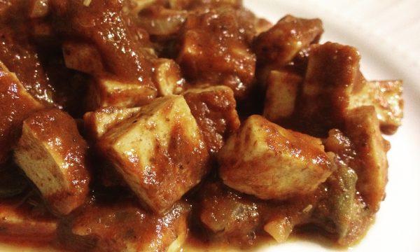 Bocconcini di tofu al pomodoro e olive ricetta