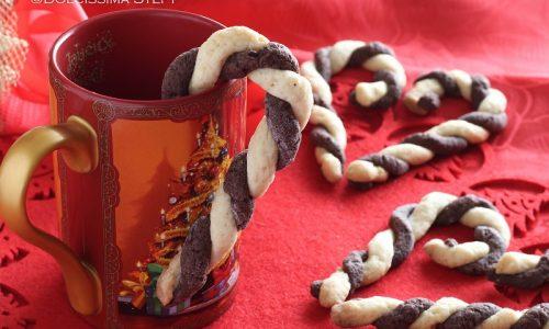 Candy Cane di Pasta Frolla alla Vaniglia e Cacao