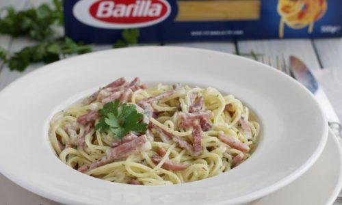 Spaghettini alla Robiola e Speck