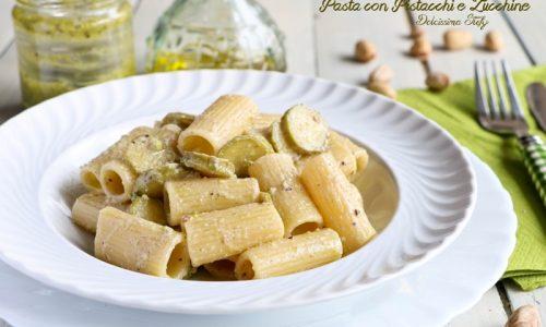 Pasta con Zucchine e Pesto di Pistacchi