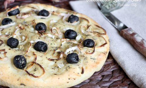 Focaccia con Cipolle e Olive